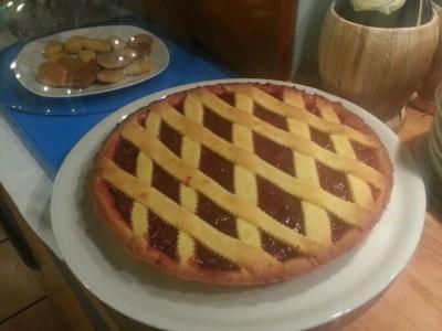 Crostata con marmellata casalinga di fragole